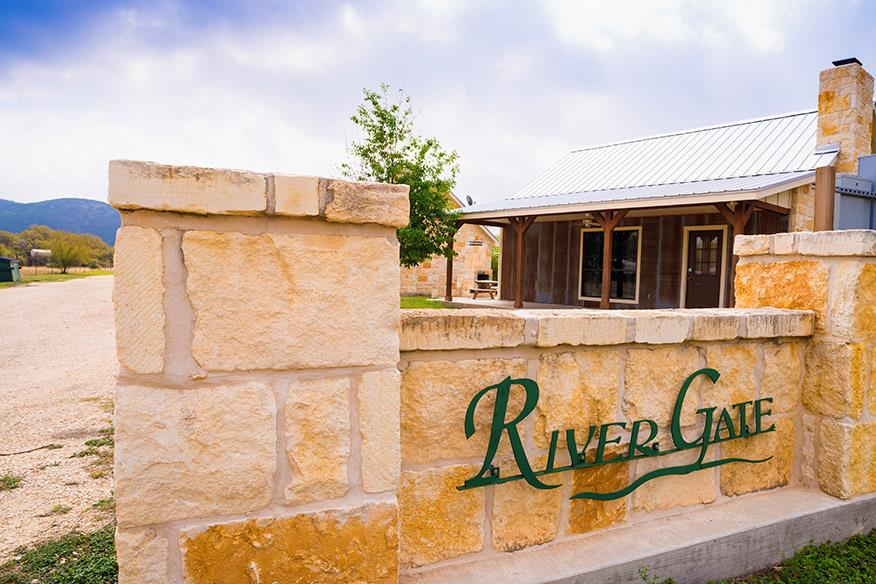 Encina Properties Real Estater Listing - Uvalde and Concan